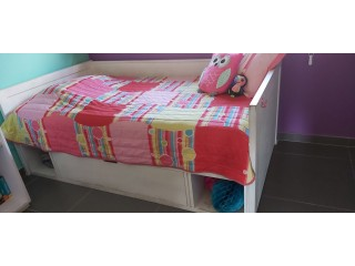 UNISEX KIDS BED (WITH MATCHING CABINETS)